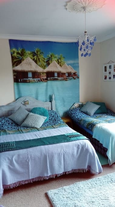 Your bedroom, a little touch of Paradise!