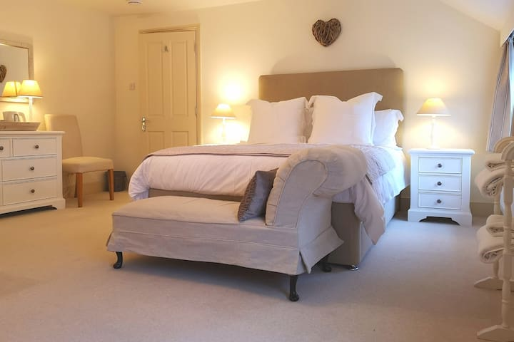 The Cottage Bed & Breakfast - Room One