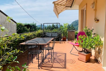 Apartment with terrace near Como