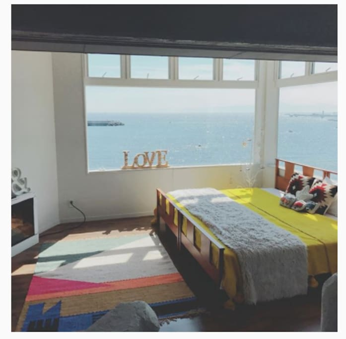 2階の海側ベッドルーム