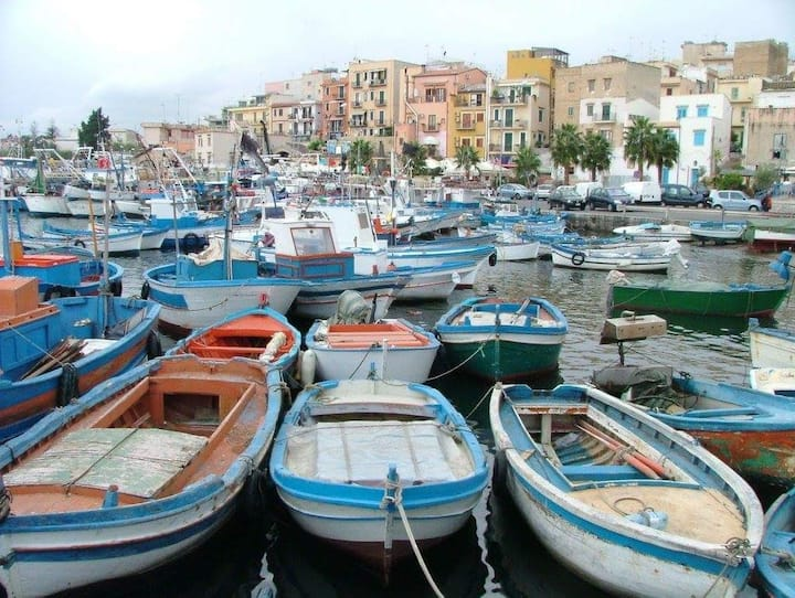 B&B Fisherman village ( by La Caletta)
