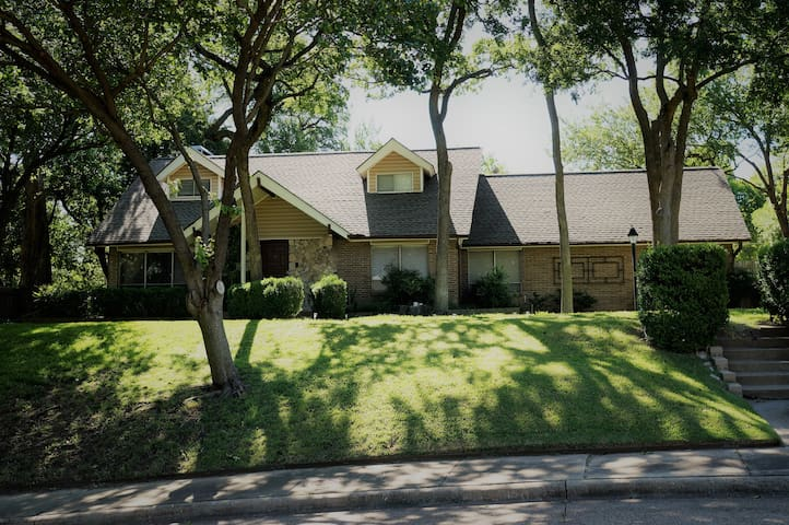 3 BR/2 BA Executive home in wooded lot.