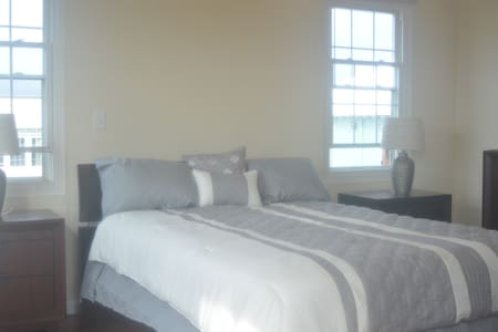 Perfect for Business or Vacation travel  2 Bed Apt