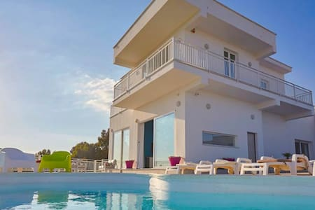 Villa Dell ' Aria !!! NATURA - ARTE - MARE