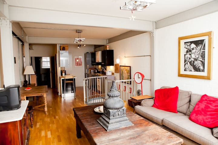 Cool central Loft, sleeps 4, 2 double bed+en-suite
