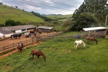Hospedagem rural - Sede da Fazenda das Laranjeiras
