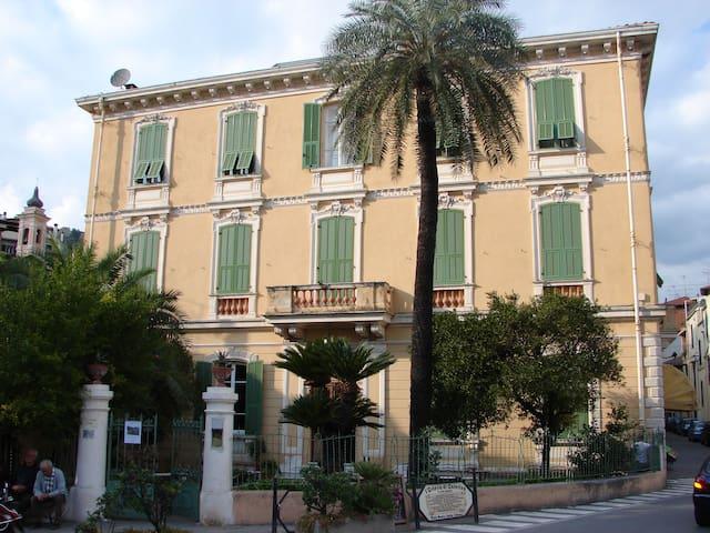 Mansarda moderna ed accogliente - LOFT - Dolceacqua - Apartament