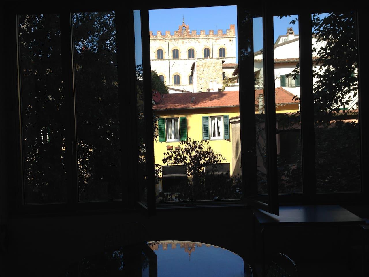 Vista di Palazzo Pretoria dalla zona pranzo