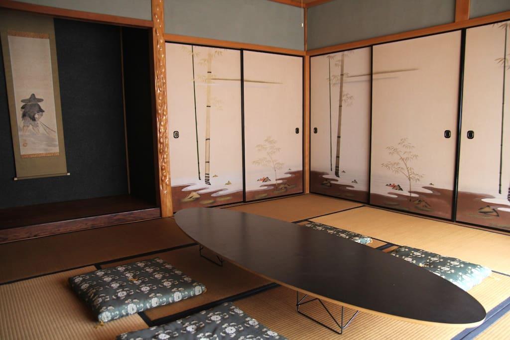 日本伝統の部屋を自由に使えます。(二階)