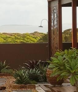 Modern Luxurious Beach House - Emerald Beach - House