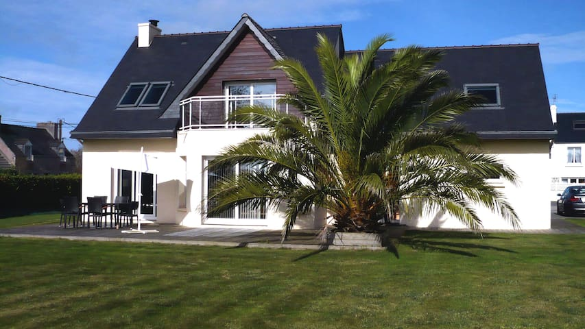 House with garden, close to Plouescat's beaches - Plouescat - Huis