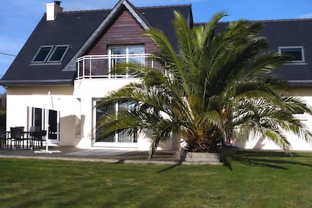 House with garden, close to Plouescat's beaches