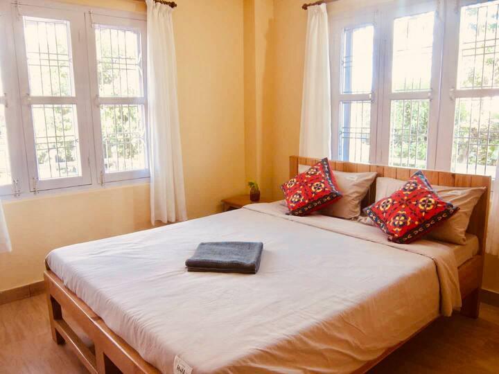 2FI-quiet room near lake 3 mins, far from humidity