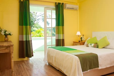 Diamond View Cottages - Castle Comfort Roseau - Wohnung