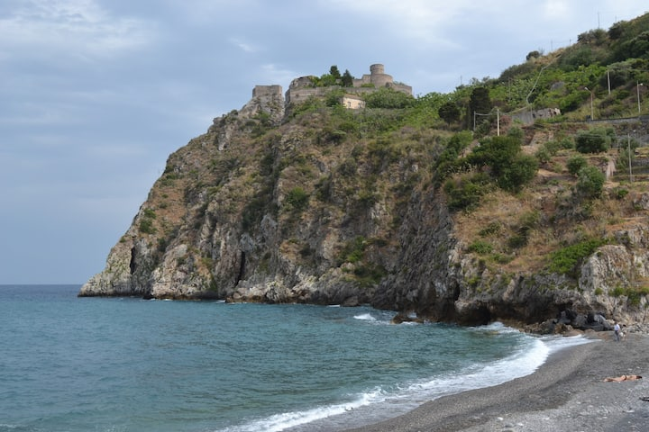 Nice Flat close to Taormina