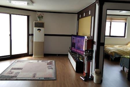 Dujeong Station(두정역)- Ujinvil House 403 (120m2)