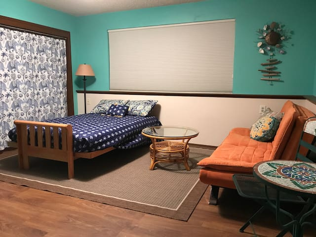 Emerald Leaf 420 Studio