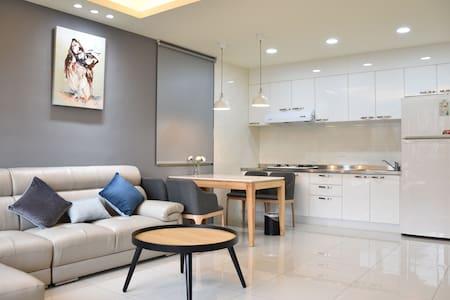 市區全新設計『礁溪溫泉 **卡洛琳公寓(2-5人)☆北歐現代風格』!清珍早點旁