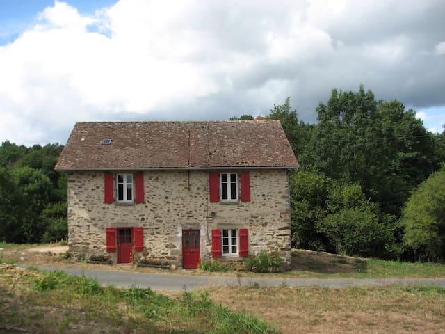 Gîte Dordogne-Limousin - Dournazac - Rumah