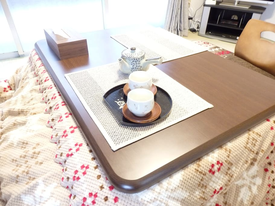 wide dining table, and kotatsu.(winter only)