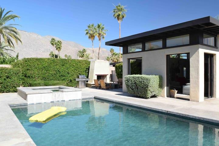 San Lucas Retreat: mountain views + pool + hot tub