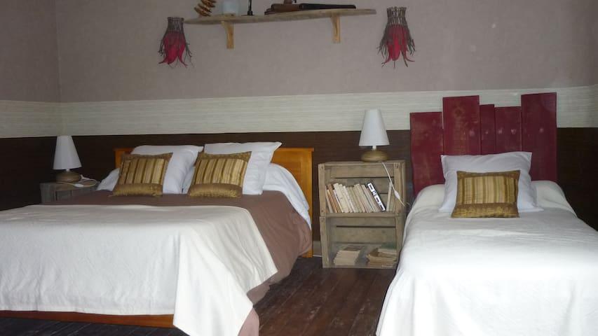 CHAMB.-TABLES D'HÔTES LA RENAUDIERE - Thugny-Trugny