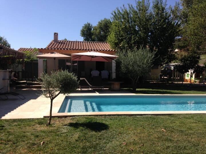 Villa avec Piscine en Provence Verte 6 personnes