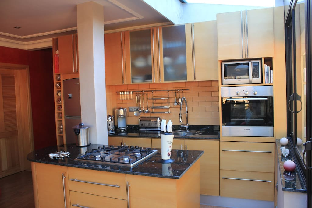 All furnished kitchen