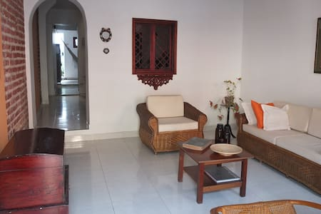 Comfortable room in the best place king size bed! - Cartagena - Huis