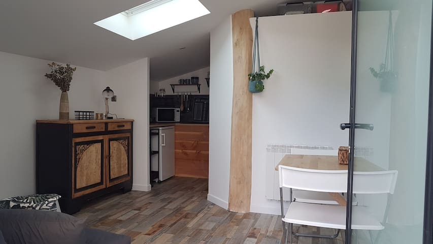 Studio privé au calme dans le Beaujolais