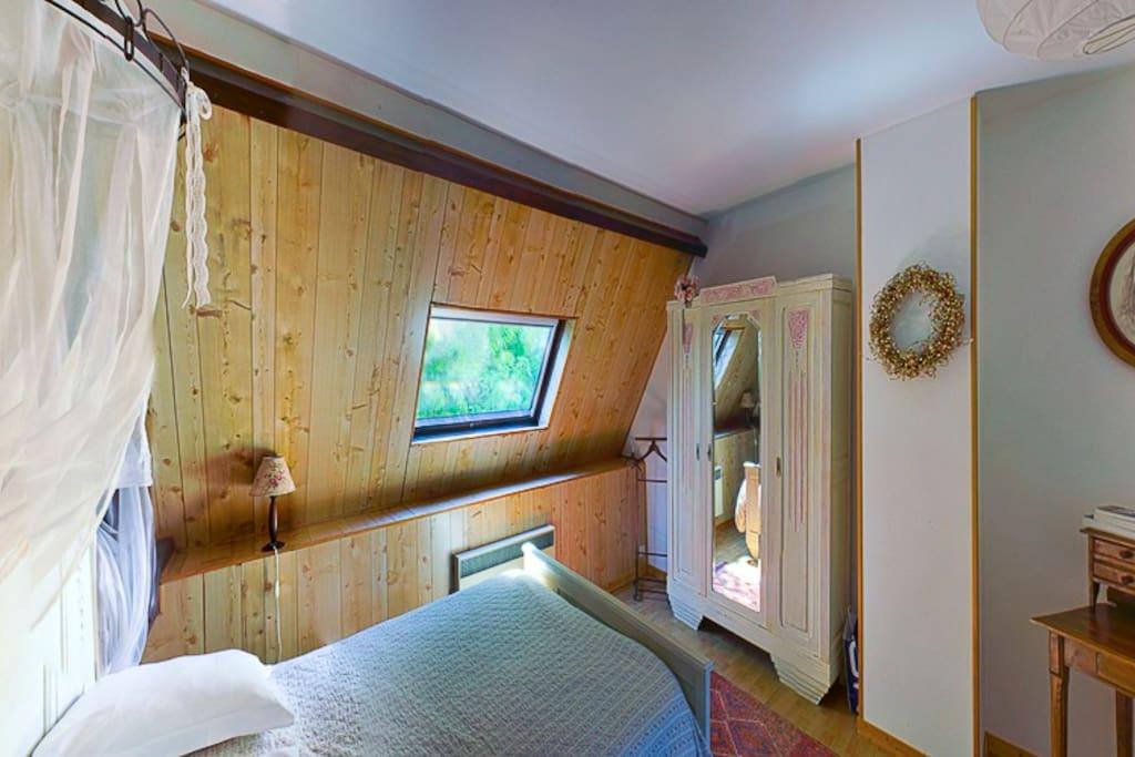 La Romantique avec lit 2 personnes et grande salle d'eau privative