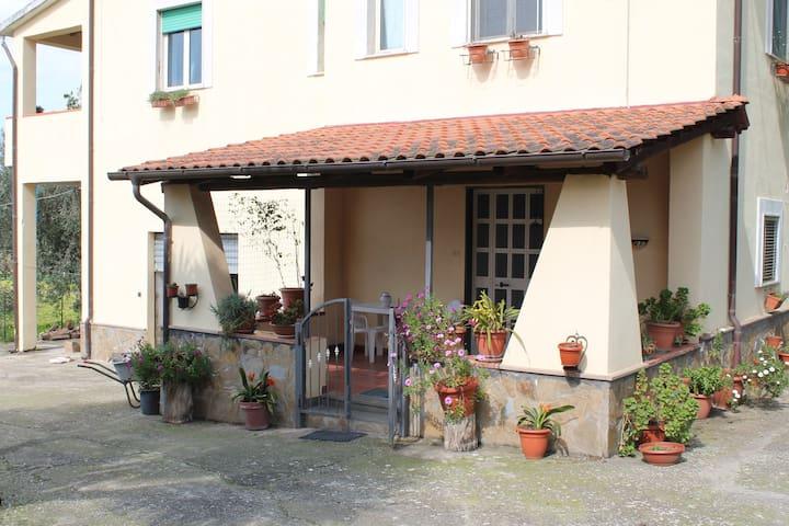 Grazioso appartamento in villa - Santa Maria - อพาร์ทเมนท์