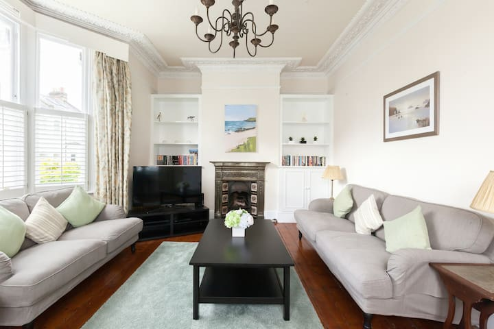 Spacious Period House near Clapham Common