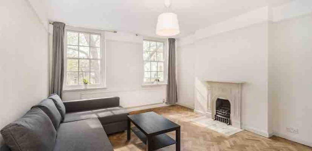 Large flat next to Kensington Palace/Notting Hill