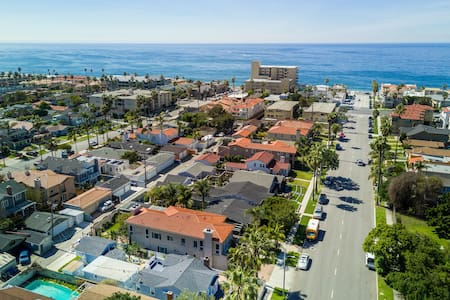 SUNNY BEACH COTTAGE BLOCK TO THE BEACH!!! - Redondo Beach - Huis