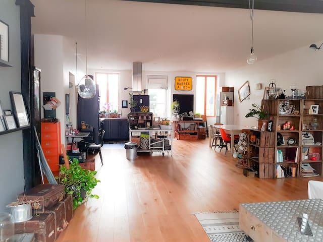 Cuisine/salle à manger - vue du salon