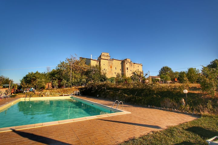 Castle in Gualdo Cattaneo with Swimming Pool,Garden,Bicycles
