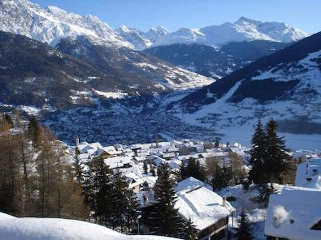 Apartment very close to Bormio - Oga - Daire