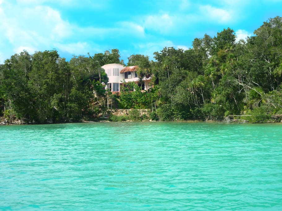 Maya cala villa lakefront private dock retreat villas for Villas bacalar