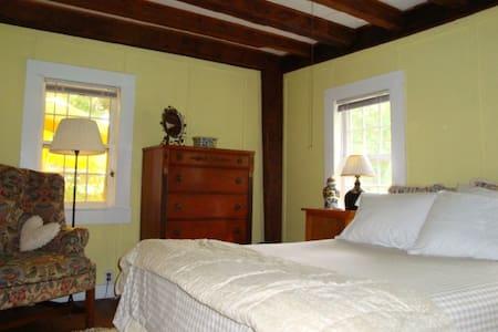 Chestnut Lodge  The yellow room - 李尔(Lee) - 其它