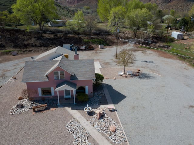 Original Moab Farmhouse (Totally Renovated)