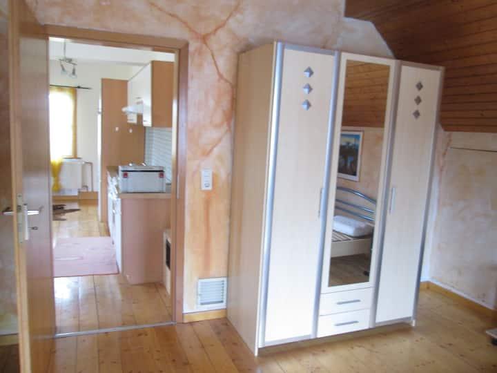 Gemütliche 2-Zimmer-Wohnung mit Balkon, ca. 70 qm