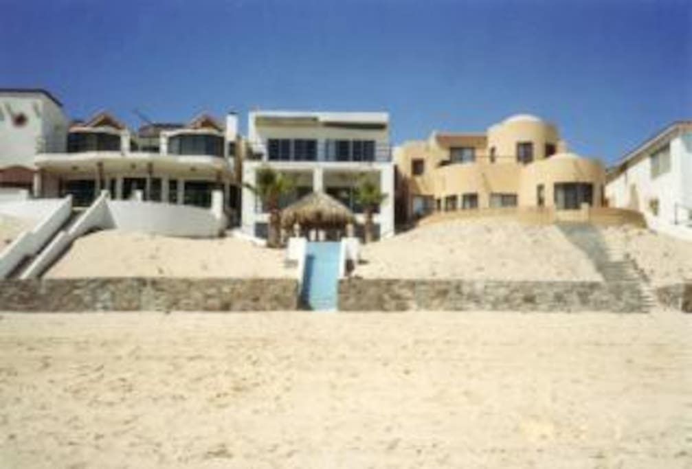 (Middle) Beach front 3 story house