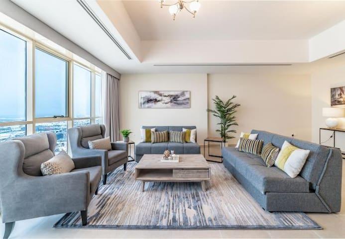 3 Bedroom Executive Condo in Downtown Dubai