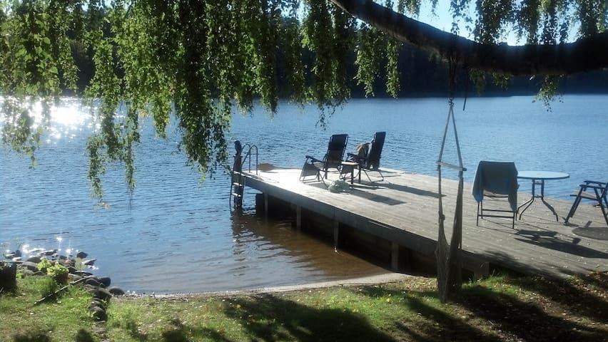 Lakeside Cottage, 50 min Stockholm - Strängnäs - Ev