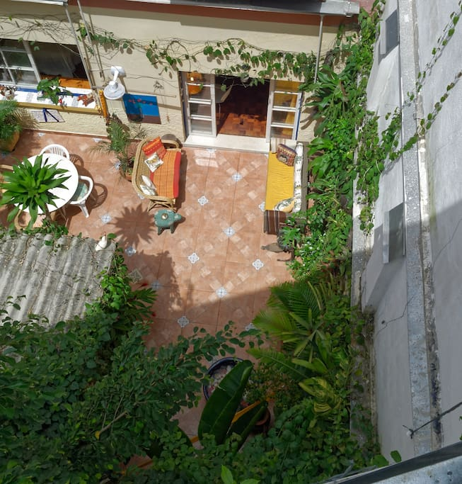 Rest in total privacy in tropical oasis with humming birds, without any neighbouring windows