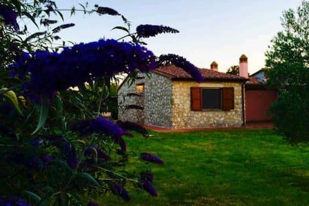 Villino con ampio giardino Terme - Rocchette di Fazio