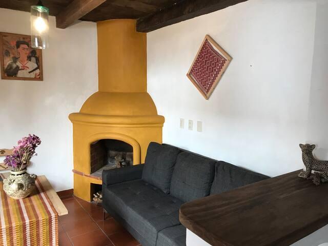 Apartamento Frida sobre Real de Guadalupe céntrico
