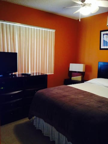 Cozy 1 BDR with balcony and parking - Kingston  - Apartamento