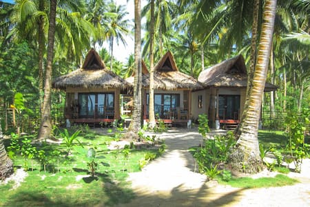 Surfing Carabao Beach House 3 - Bungalow